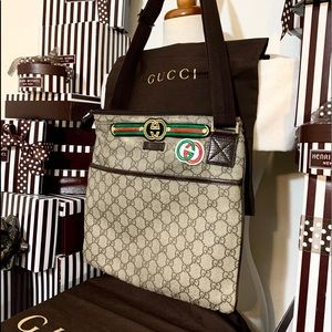 AUTHENTIC🌟❤️🌟❤️GUCCI GG CROSSBODY!🌟